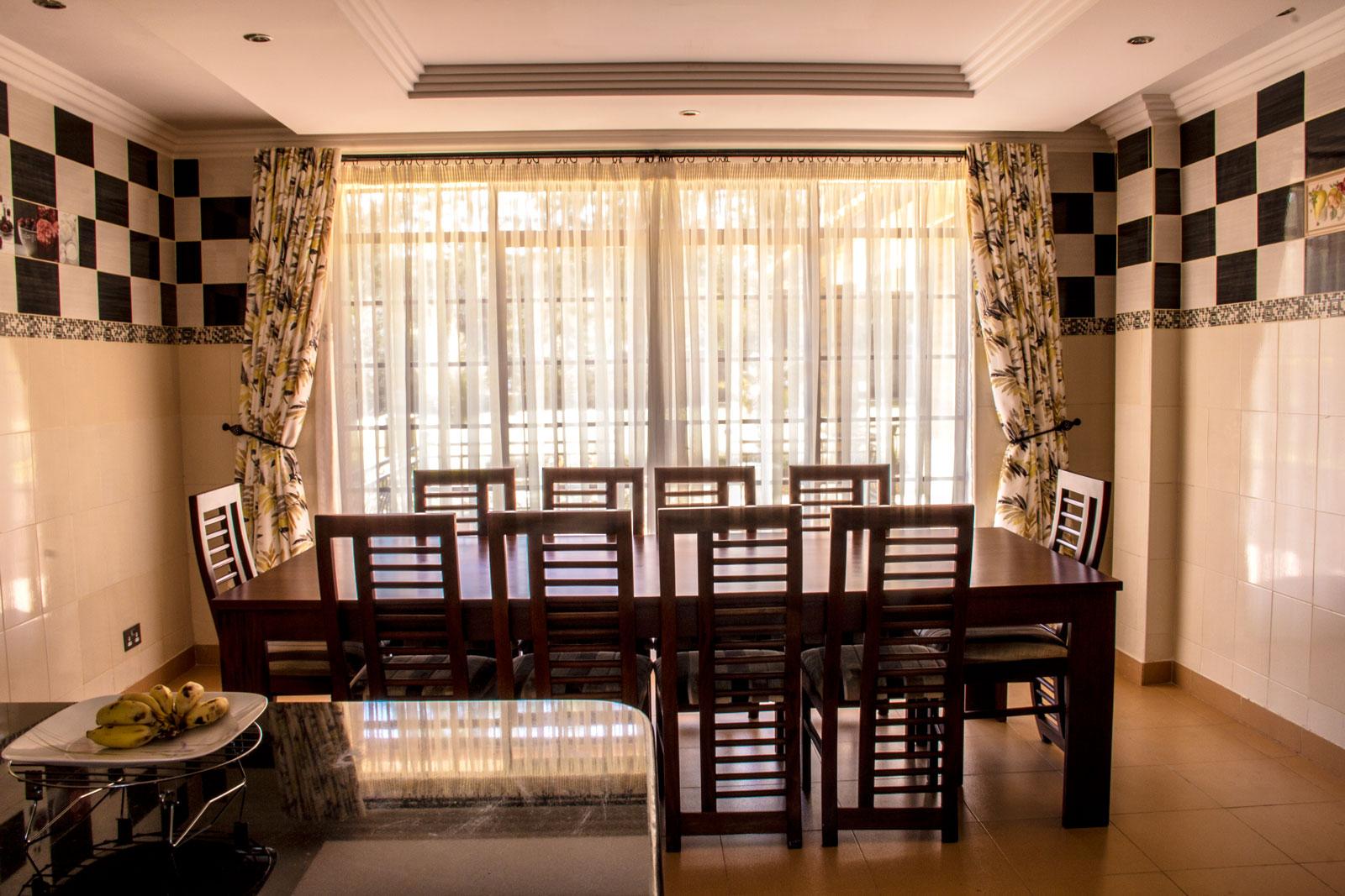 karen-residence-dining-room