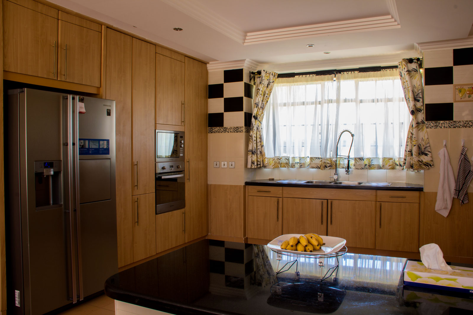 karen-residence-kitchen-2