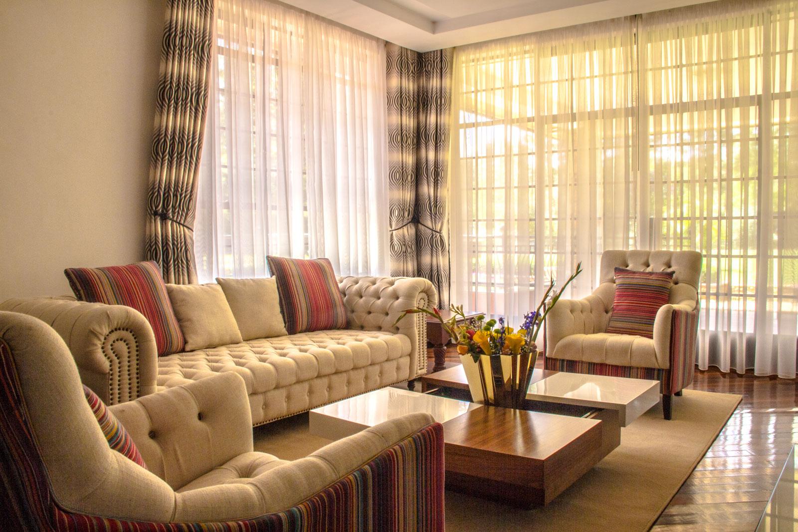 karen-residence-living-room