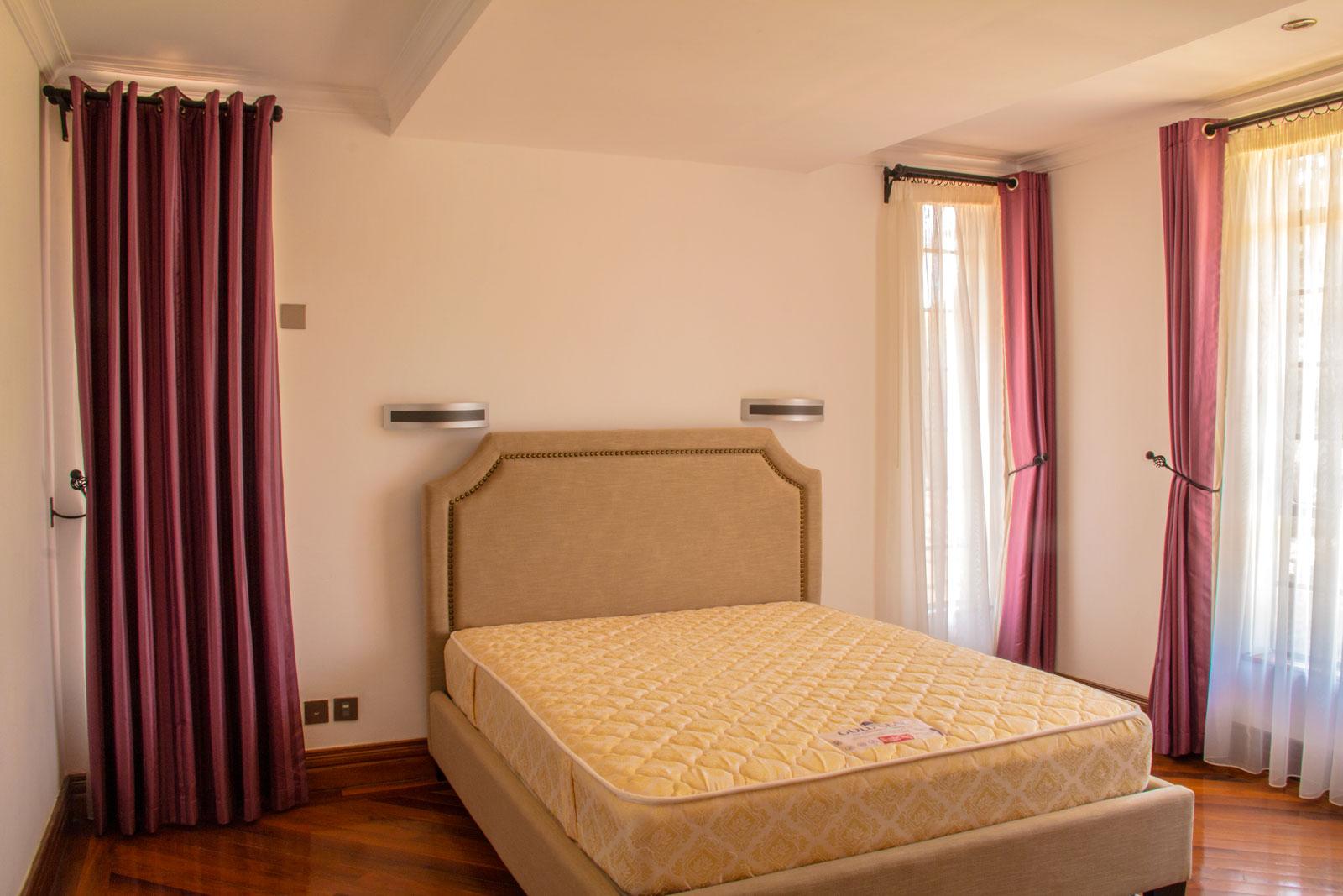karen-residence-room-3