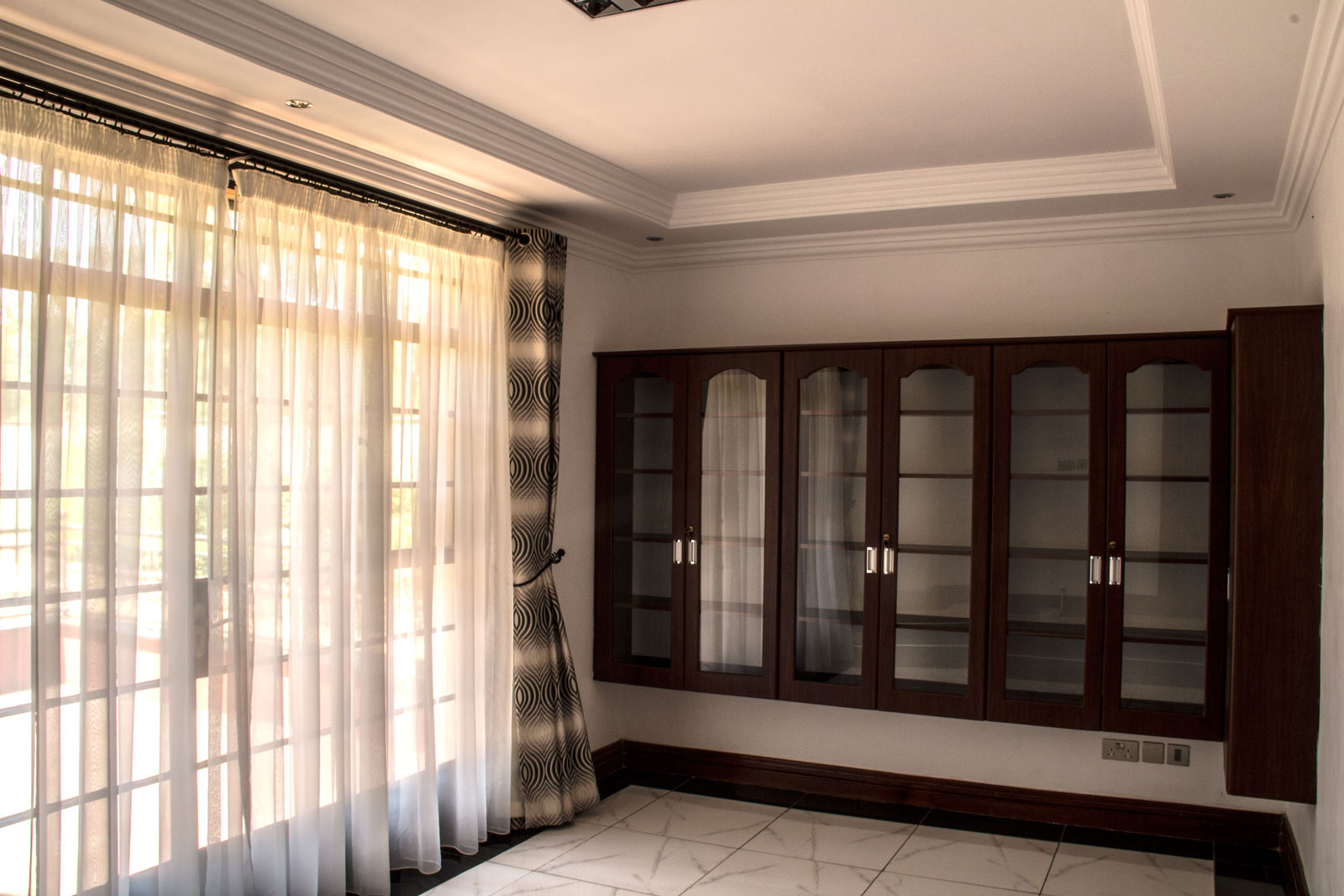 karen-residence-study-room
